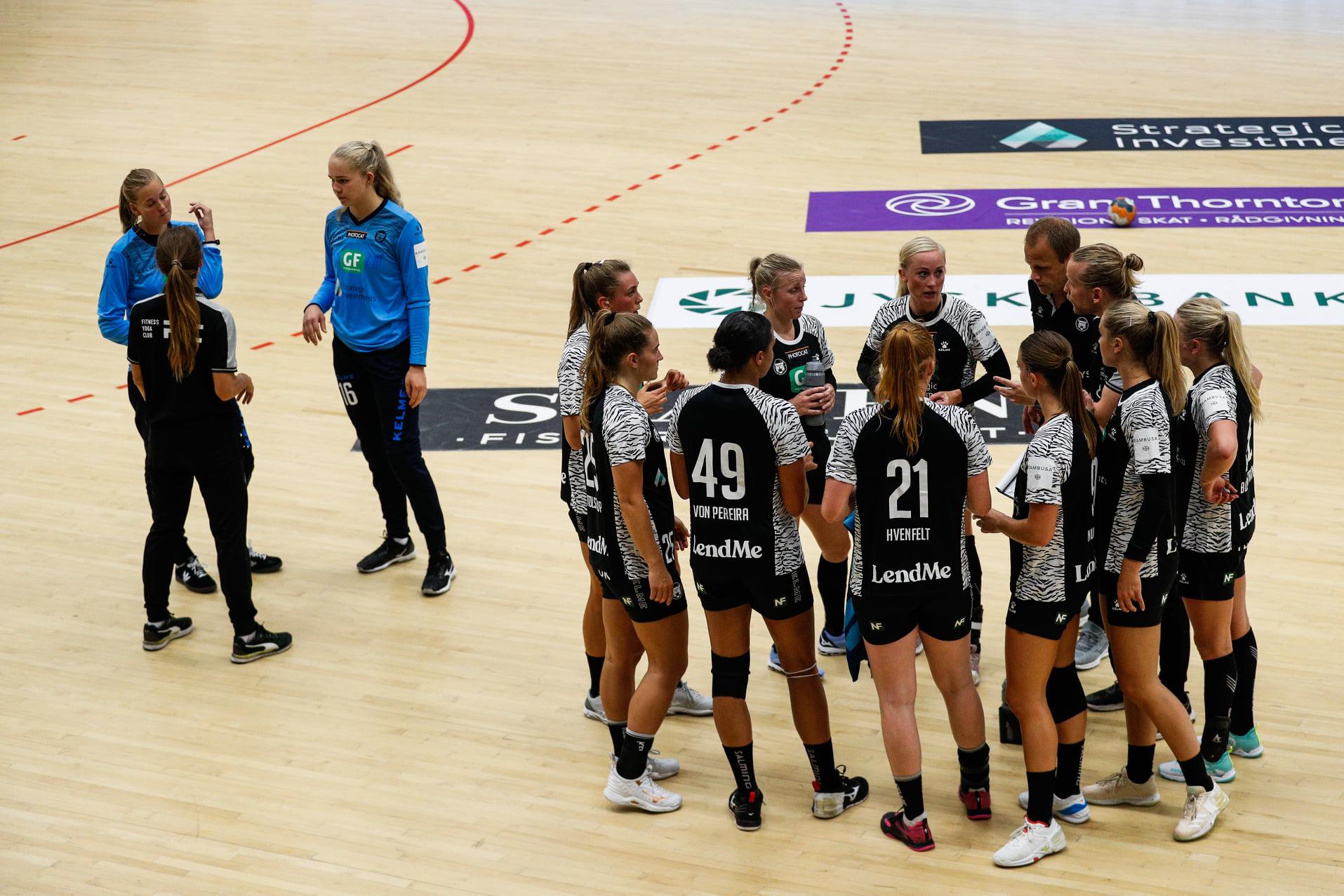 København banker Aarhus trods chokerende tidlig fyraften til...